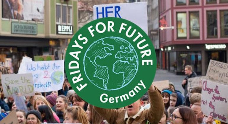 """fridaysforfuture.de   """"Die Klimakrise stellt für die Stabilität der Ökosysteme unseres Planeten und für Millionen von Menschen eine existenzielle Bedrohung dar. Eine ungebremste Erderwärmung ist eine enorme Gefahr für Frieden und Wohlstand weltweit."""""""