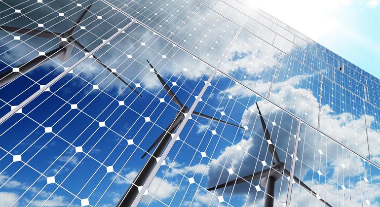 Depositphotos   buchachon_photo   Baut Deutschland nicht rasch mehr Wind- und Solaranlagen, sind die Ökostrom-Ziele für 2030 kaum zu erreichen.