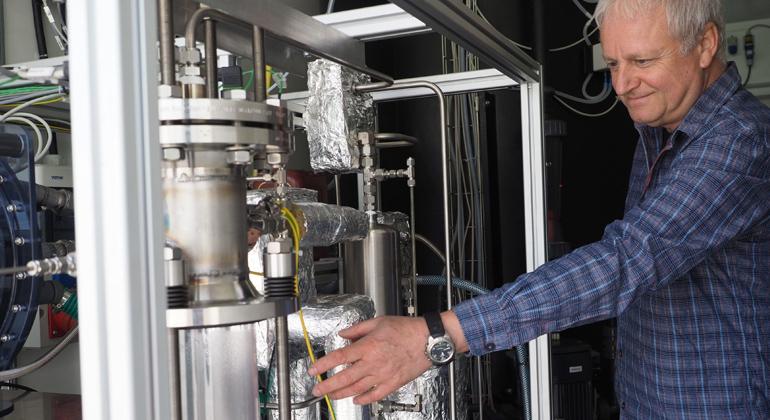 ZSW   ZSW-Versuchsanlage für die Produktion von einem Kubikmeter CO2 pro Stunde