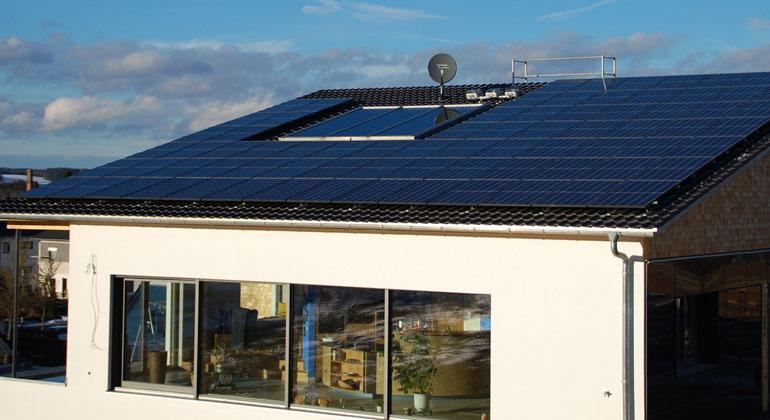 Hörmann Solar/Hanwha Q-Cells | Seit Dezember 2018 wohnen die Hörmanns in ihrem energieautarken Wasserstoffhaus.