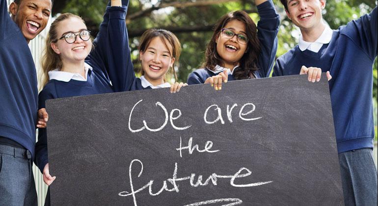 pixabay.com | geralt | Die neue Jungendbewegung politisiert sich durch das Klimaproblem, das sie zu Recht als Jahrtausendproblem betrachtet. Bei heutigen Umfragen sagen junge Leute mehrheitlich, dass sie vor der Klimakatastrophe viel mehr Angst haben als vor Arbeitslosigkeit.