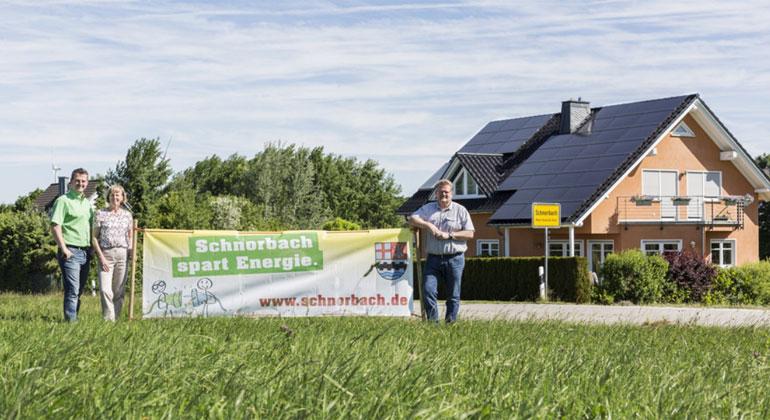 Energieagentur Rheinland-Pfalz | V.l.n.r.: Matthias Schubach, Michaela Liesch-Klöckner, Bürgermeister Bernd Kunz,