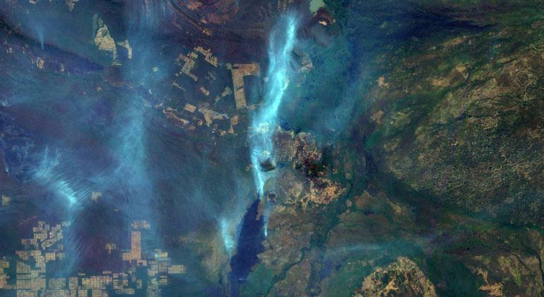 flickr.com | Oton Barros/DSR/OBT/INPE | Brennender Amazonas-Regenwald in Brasilien: Satellitenbild vom vergangenen Mittwoch.