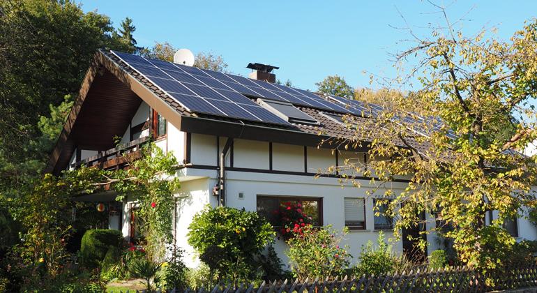 Post-EEG-Ära: PV-Anlagenbesitzer sehen Netzbetreiber und Energieversorger in der Pflicht