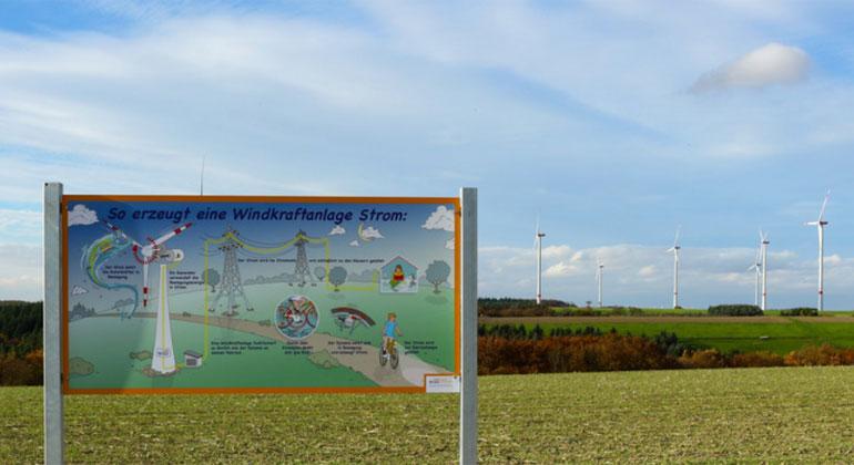 Energieagentur Rheinland-Pfalz/ABO Wind | Interkommunale Solidarität: Mörsdorf teilt Pachteinnahmen aus Windenergie mit Nachbardörfern.