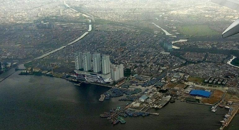 pxhere.com   harlimedit   Indonesiens Hauptstadt Jakarta sinkt kontinuierlich ab. 2050 könnte ein Drittel der Stadt im Wasser stehen. Statt die Ursachen zu bekämpfen, plant Indonesiens Regierung den Umzug.