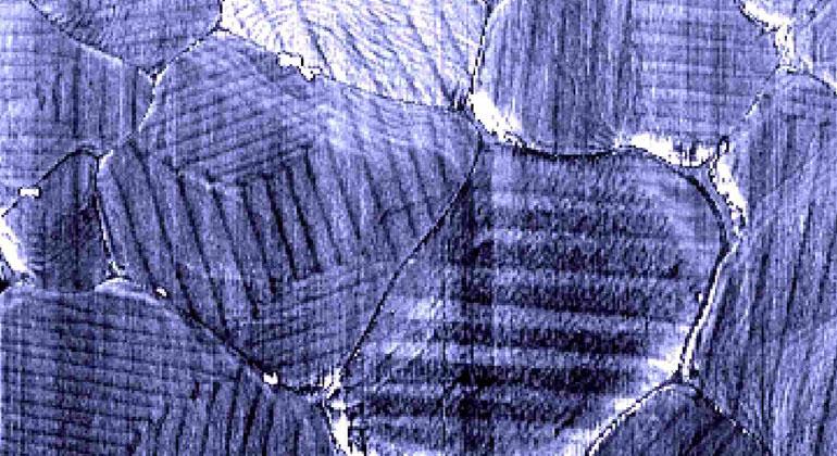 Ferroelektrizität verbessert Perowskit-Solarzellen