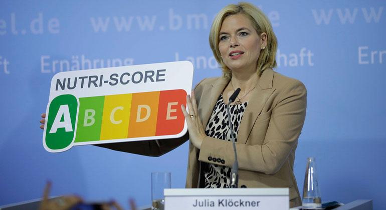 """BMEL/Janine Schmitz/photothek.net   """"Als erweitertes Nährwertkennzeichen für Deutschland will ich den Nutri-Score einführen"""" - Bundesministerin Klöckner bei der Präsentation der Ergebnisse"""