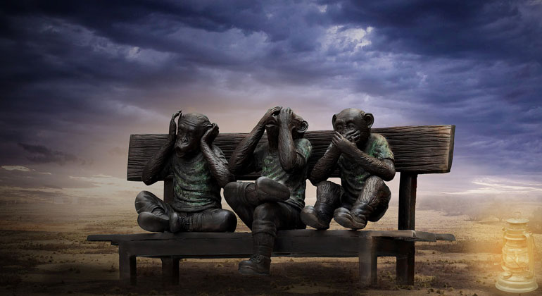 pixabay.com | Myriam-Zilles | Wir handeln wie die drei berühmten japanischen Affen: Nichts sehen, nichts hören und: Mund halten.