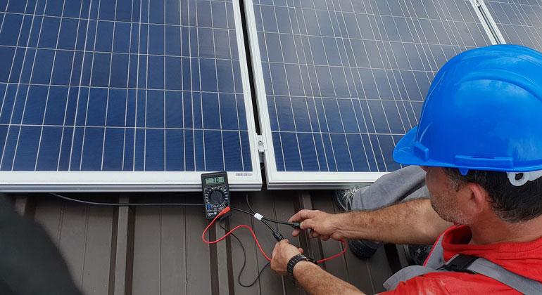 Neues BSW-Merkblatt zum Umgang mit alten Solarmodulen