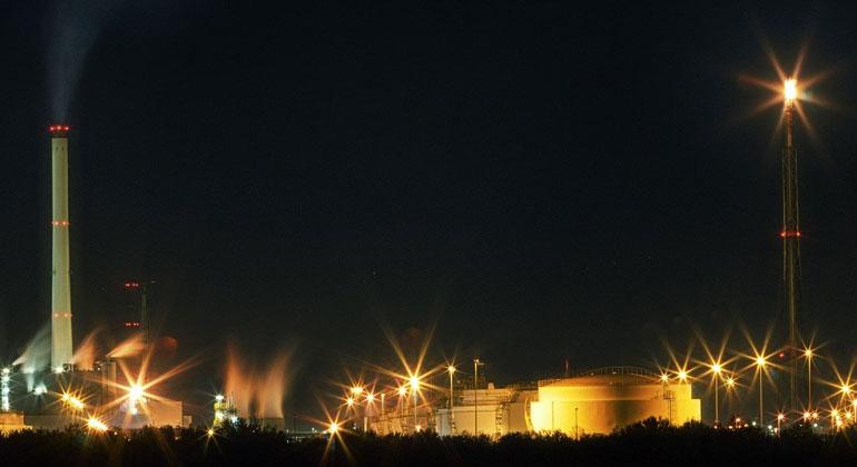 pixabay.com | JohannesPlenio | Gaskraftwerke gelten vielen als das kleinere Übel auf dem Weg in eine klimafreundliche Zukunft. Das macht sie noch nicht zu etwas Gutem.