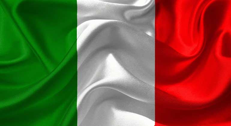 pixabay.com   DavidRockDesign   Bildungsminister Lorenzo Fioramonti ermunterte Italiens Schülerinnen und Schüler, sich an den Fridays-for-Future-Demonstrationen zu beteiligen. In einem Rundschreiben forderte er die Schulen auf, dies als entschuldigtes Fernbleiben vom Unterricht zu behandeln.