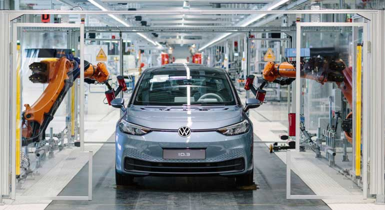 volkswagen.com | Der elektrische Volkswagen ID 3 im VW-Werk Zwickau.