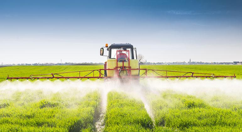 Depositphotos | fotokostic | Grundwasser ist häufig mit Nitrat belastet. Eine Ursache ist die stickstoffhaltige Düngung.