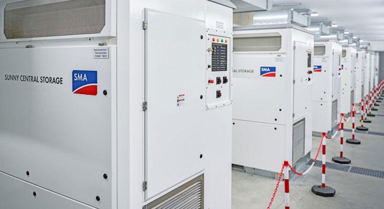 SMA Batterie-Wechselrichtern versorgen ganze Gemeinde sicher mit Erneuerbaren Energien