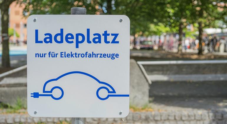 Fahren mit grünem Autostrom – der neue 'DCTI – GreenGuide' zeigt wie