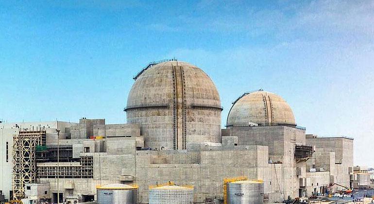 Wikiemirati / Wikimedia.Commons, CC BY-SA 4.0 | Das Atomkraftwerk Barakah am Persischen Golf während der Bauarbeiten im Jahr 2017.