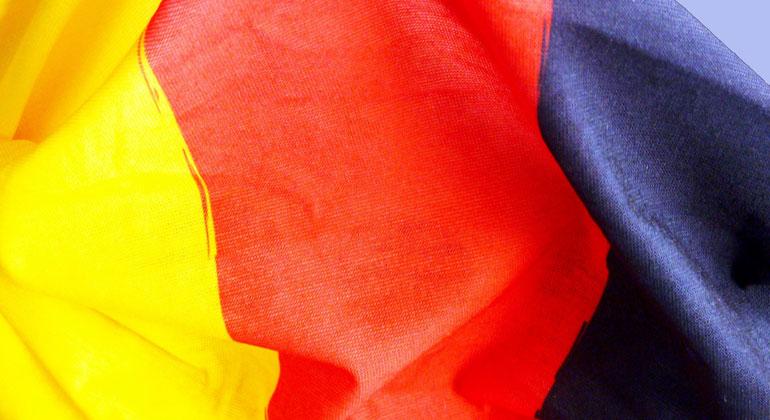 pixabay.com | moritz320 | Die IEA beklagt den Widerstand in der Bevölkerung gegen Nord-Süd-Hochspannungstrassen.
