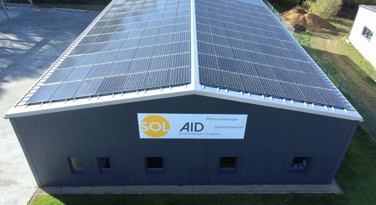 Gewerbebetrieb erzielt mit Photovoltaik und Infrarotheizung hohe Autarkie