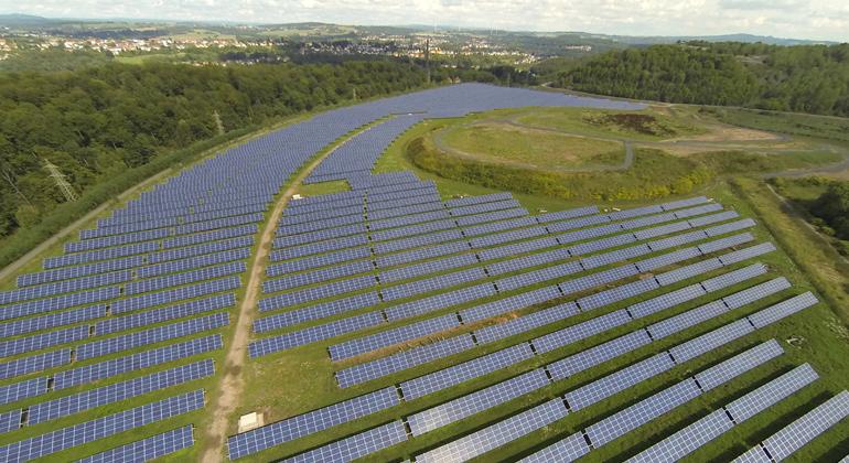 montanSOLAR GmbH | Solarpark Terril Wendel an der Grenze zwischen Frankreich und Deutschland