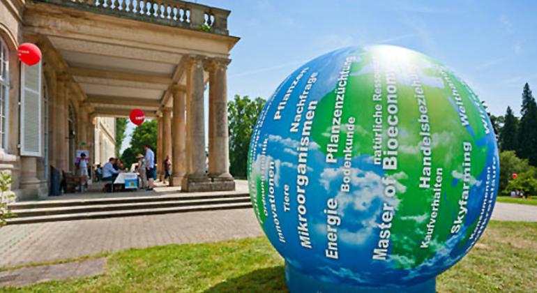 Boris Lehner | Universität Hohenheim | Die Universität Hohenheim zählt zu den führenden Universitäten im Bereich Bioökonomie. Sie informiert im Wissenschaftsjahr 2020 Bioökonomie in zahlreichen Veranstaltungen zum Thema
