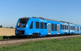 alstom.com | RFrampe | Alstom | The Coradia iLint is the world's first regional passenger train to enter service equipped with fuel cells to convert hydrogen and oxygen into electricity, thus eliminating pollutant emissions related to propulsion.