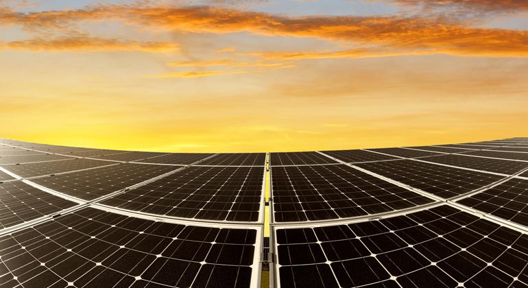 Solardeckel streichen – wirtschaftliche Impulse setzen