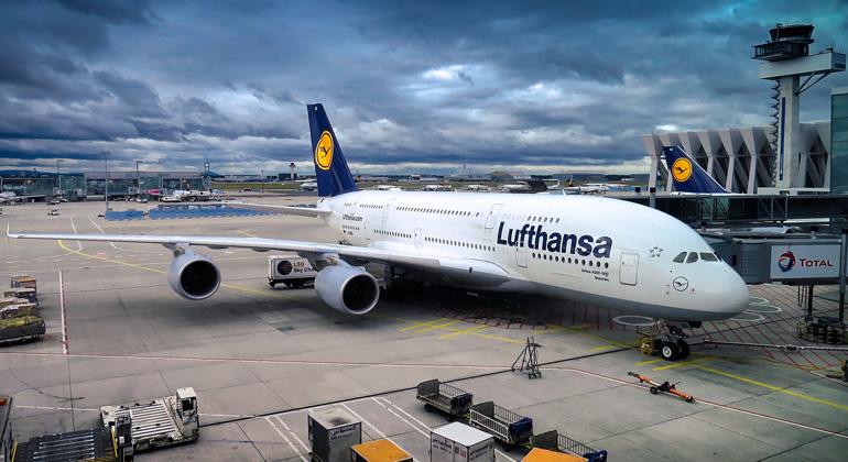 Rettungspakete für Fluggesellschaften an Klimaschutz-Vorgaben knüpfen