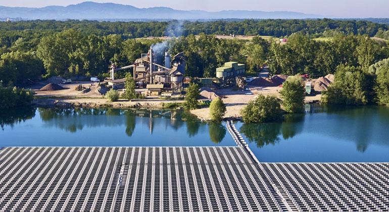 Größte schwimmende PV-Anlage Deutschlands feiert Einjähriges