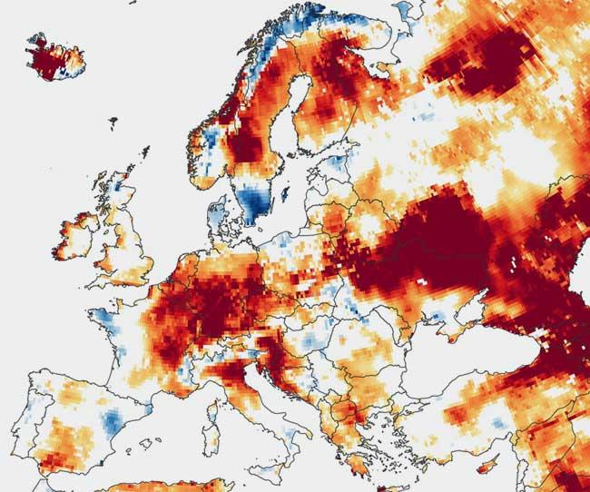 Lauren Dauphin / NASA Earth Observatory | Bodenfeuchtigkeit in Europa
