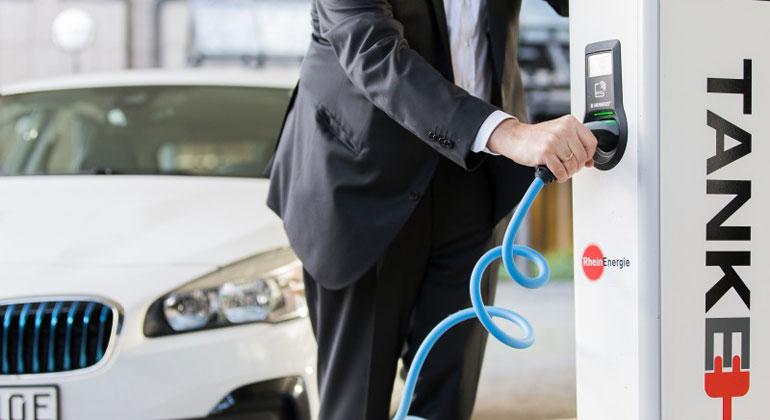 Beim Kauf von Elektroautos zählen Umweltschutz und Sparpotenzial