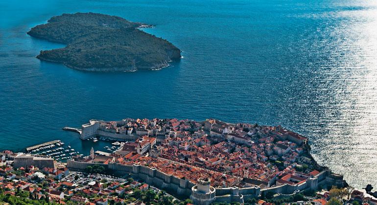 Fraunhofer | DUNEA | Die Küste Dubrovniks soll dank dem Projekt SeaClear künftig von Unterwassermüll befreit werden.