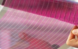 Fraunhofer ISE | Flexible, transparente organische Solarmodule können neuartige Anwendungsfelder erschließen.