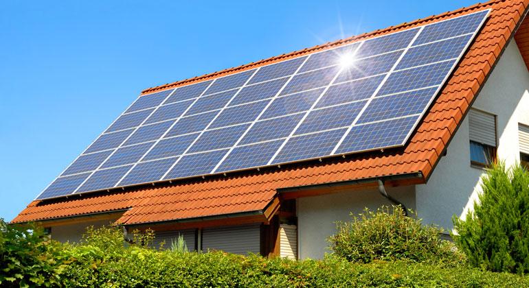 E.ON-Umfrage: Zwei Drittel der Deutschen wollen mehr Solaranlagen auf Dächern