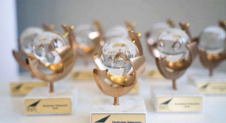 Deutscher Solarpreis 2021 an fünf Akteurinnen und Akteure der Energiewende verliehen!