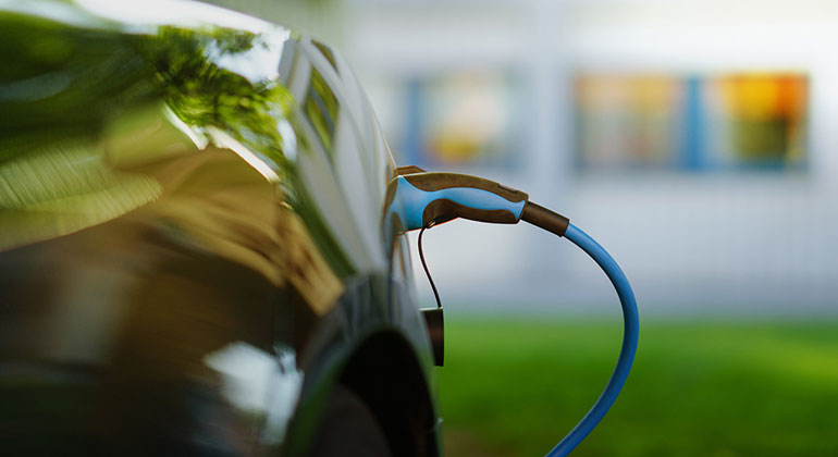 Lightweight green supercapacitors could charge devices in a jiffy
