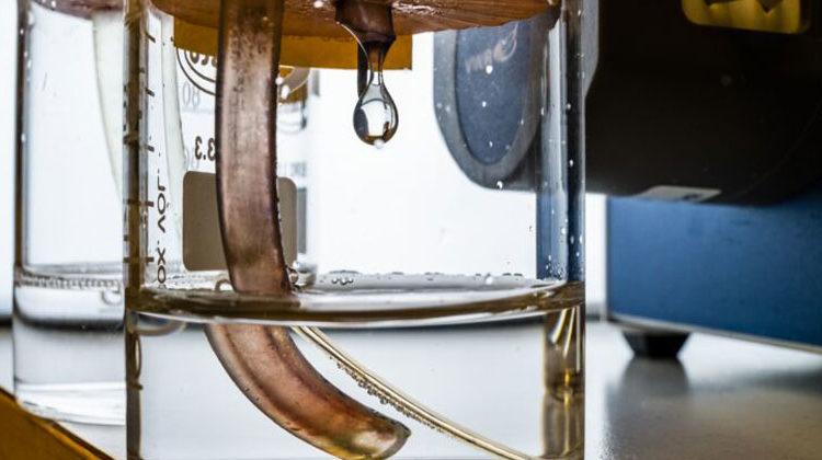 Universität von Linköping | ThorBalkhed | Ein Modell der Redox-Flow-Batterie im Labor.
