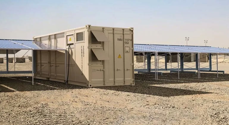 """Faber Infrastructure GmbH / Stromcontainer mit """"Solarwings"""""""