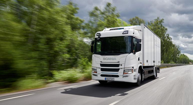 Alle neu verkauften Lastwagen müssen bis 2040 frei von fossilen Brennstoffen sein