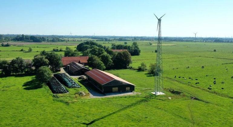Kleinwindanlage fürs Gewerbe: Landwirt spart Stromkosten