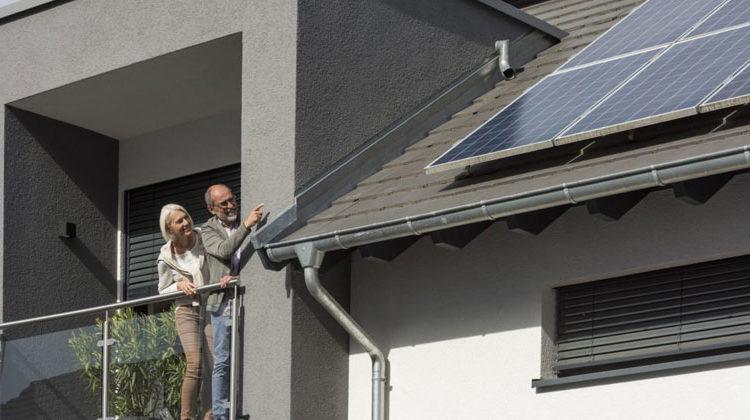 Zukunft Altbau | Wer eine Photovoltaikanlage betreibt, muss sie in das Marktstammdatenregister eintragen. Bis spätestens Ende Januar 2021 müssen alle, auch ältere Solarstromanlagen, eingetragen sein.