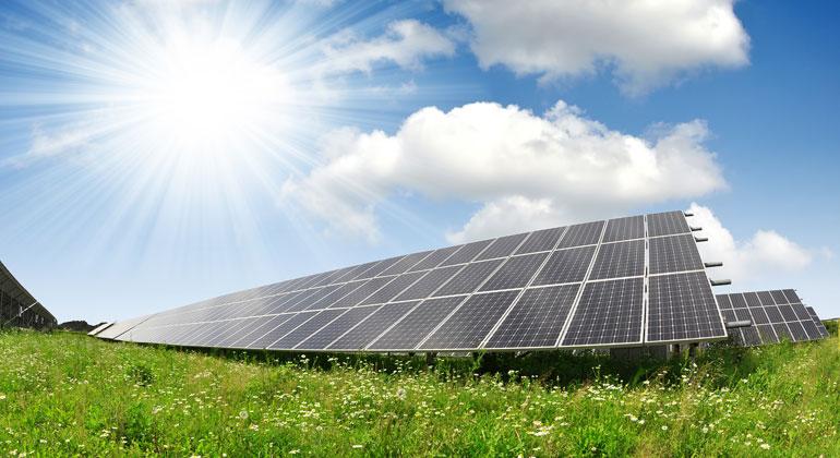 Solarmodule als Schutz vor Austrocknung des Bodens