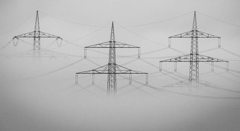 Die mediale Diskussion um hohe Energiepreise übersieht bewusst die günstigen Erneuerbaren Energien