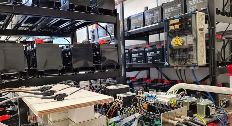 TU Clausthal | In diesem Labor wird an leistungsstarken Batteriespeichern geforscht.