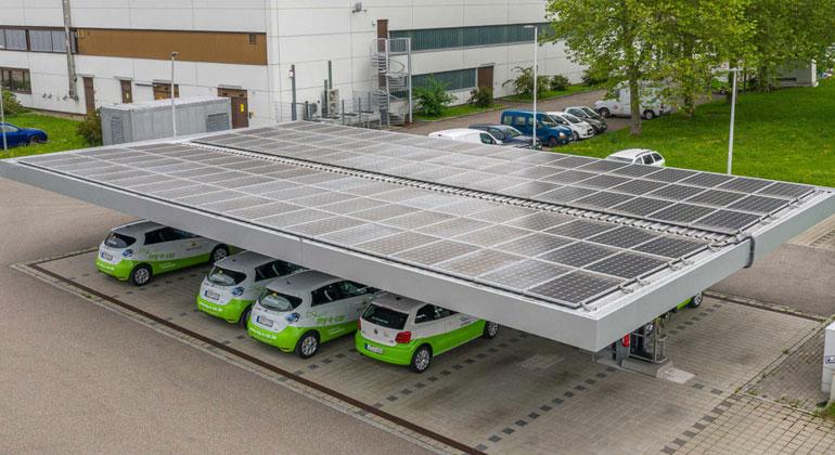 Baden-Württemberg fördert PV-Anlagen auf Parkplatzdächern