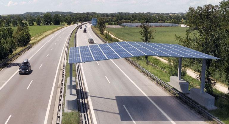 Fraunhofer ISE und Partner erproben Photovoltaik-Dach über der Autobahn