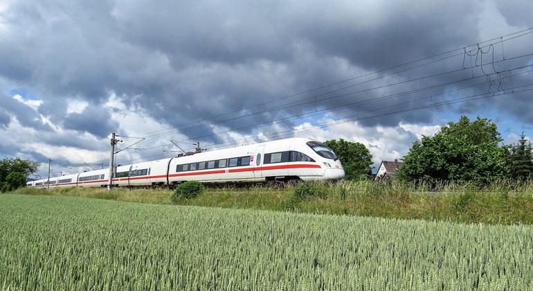 Schienengipfel 2021: Eine neue Philosophie in der VerkehrspolitikDer Staat muss auf Schiene stärker lenken