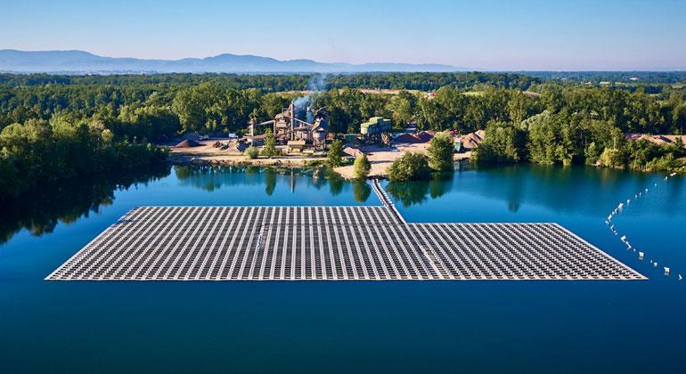 Solaranlagen lernen schwimmen