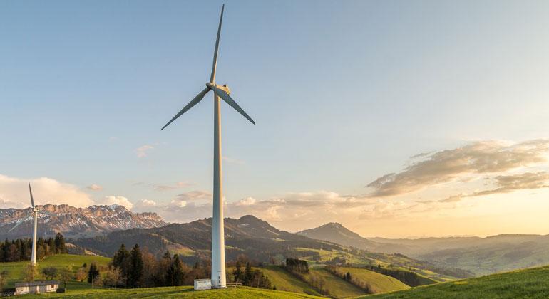 Windräder als Zeichen für grünen Tourismus und sauberen Strom