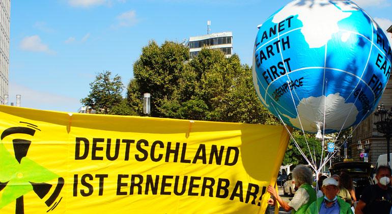 Tausende gehen für Klimaschutz auf die Straße